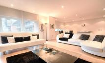 1 bedroom Flat for sale in Grosvenor Waterside...