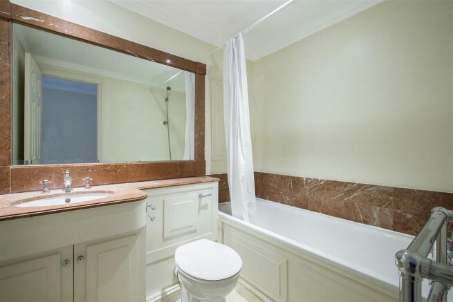 2nd Bathroom.jpg