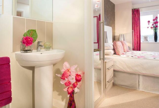 Typical Regis en suite to master bedroom