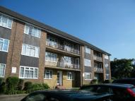 2 bed Flat to rent in Lancaster Court, Banstead