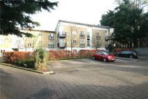 2 bedroom Flat to rent in Queens Court, Revere Way...