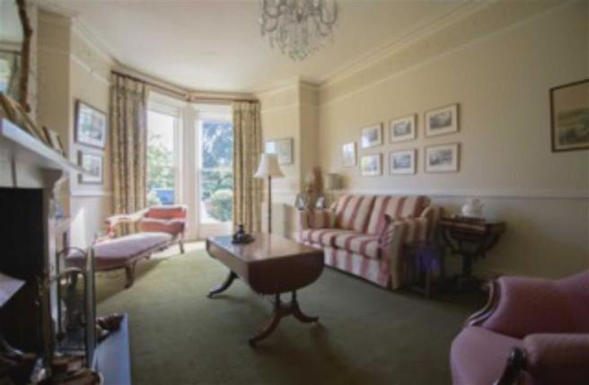 SITTING ROOM (FRONT OF PROPERTY)