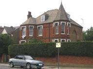 3 bed Flat to rent in Chevening Road...