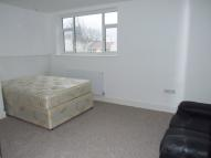 Studio flat in Ballards Lane, London N12
