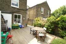 Ground Flat to rent in Pember Road...