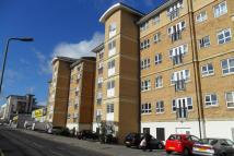 2 bedroom Ground Flat to rent in Rookery Way, London, NW9