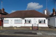 2 bed Semi-Detached Bungalow in Kinloch Drive, London...