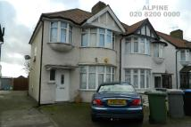 3 bed semi detached property in Wakemans Hill Avenue...
