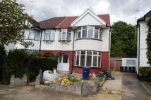 3 bed Duplex in Colin Crescent, London...