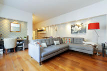 Flat for sale in Chilton Street...