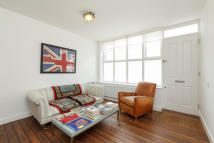 2 bedroom Terraced property in Weymouth Terrace...