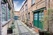 2 bed property in Kingsland Road...