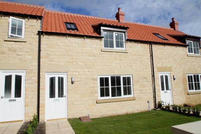 2 bedroom terraced house for sale in pottergate mews 8 helmsley yo62 yo62