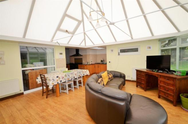 Dining/Family/Conservatory