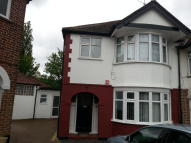 2 bedroom Maisonette to rent in Dors Close, London, NW9