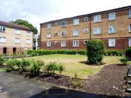 2 bed Ground Flat in Elmwood Crescent, London...