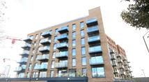 Apartment to rent in Marine Wharf, Plough Way...
