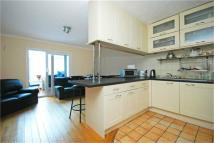 House Share in Eleanor Close...