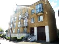 3 bed house to rent in Three Colt Street...
