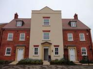 4 bed new house in Greenkeepers Road...