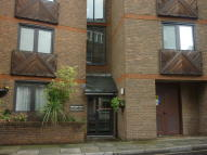 Studio flat in Bartholomew Close...