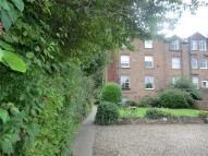 2 bed Ground Flat in Bridlington Road...