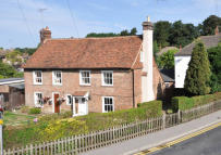 3 bedroom Cottage for sale in London Road, Westerham