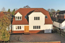 4 bed Detached house for sale in Cavendish Avenue...