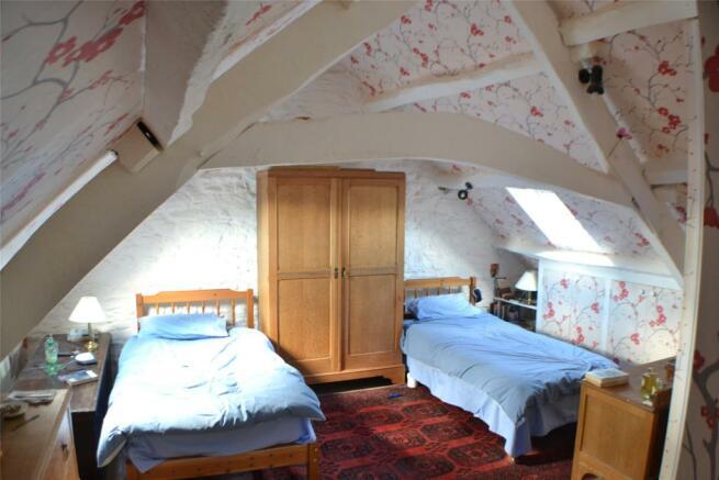 Full Length Room