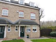 4 bed semi detached house in Radlett