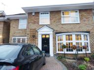 4 bed semi detached home to rent in Elstree