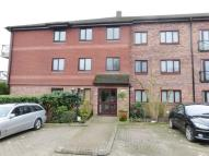 Flat to rent in Elstree