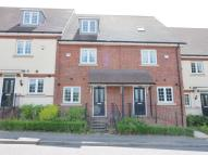 Town House to rent in Elstree