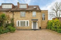 4 bed semi detached property for sale in Mortimer Crescent...
