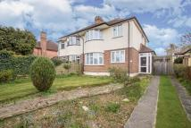 3 bed Detached property in Limpsfield Road...