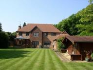 5 bedroom Detached house to rent in Cobham, Surrey