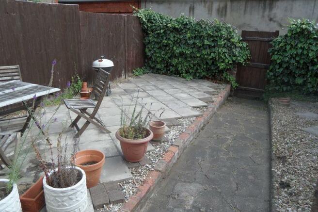 garden b