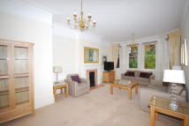 Ground Flat to rent in Gloucester Road...