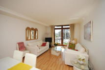 1 bed Flat in Thomas More Street...