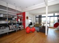 2 bedroom Flat to rent in Floral Street...