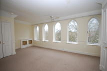 2 bed Flat in Fitzjohns Avenue...