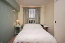 1 bedroom Flat to rent in Walton Street...