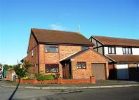 4 bedroom Detached house in Kestrel Drive, Covingham...