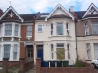 Flat in Welldon Crescent, Harrow