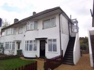 2 bedroom Ground Flat to rent in Stuart Avenue, Harrow...