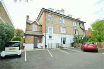 Ground Flat to rent in Roxborough Park...