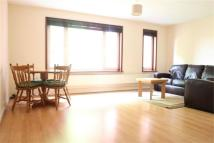 Flat to rent in Cowen Avenue, Harrow...