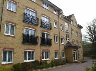 2 bed Flat in Hardings Close...