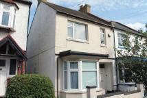 Lymington Avenue Flat to rent