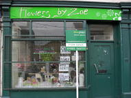 Shop to rent in West Main Street, Darvel...